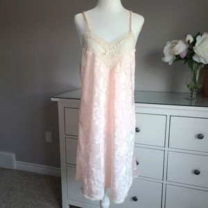Vtg Nightgown